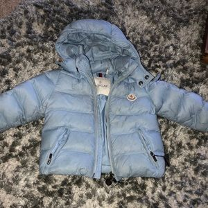 Moncler kids puffed coat size 12/18 months